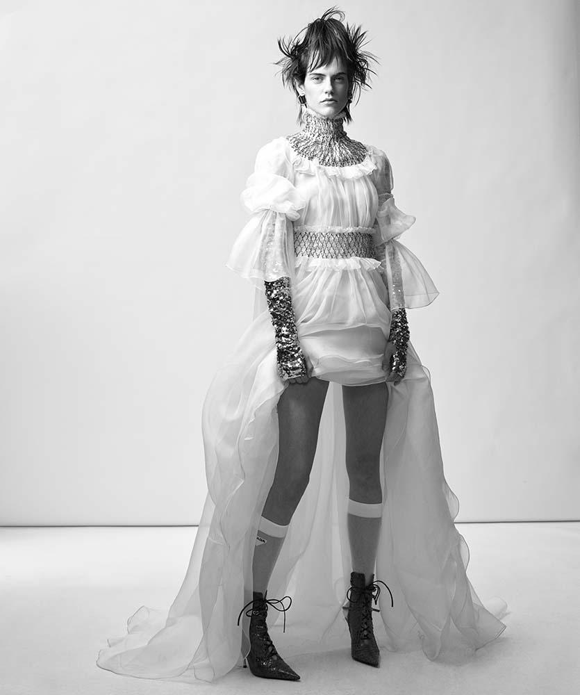 Miriam Sanchez by Cuneyt Akeroglu