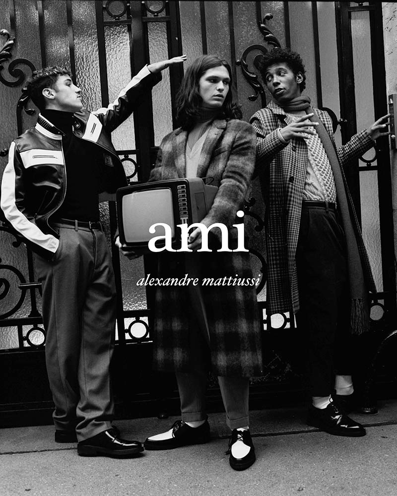 Ami Paris by Pau Avia