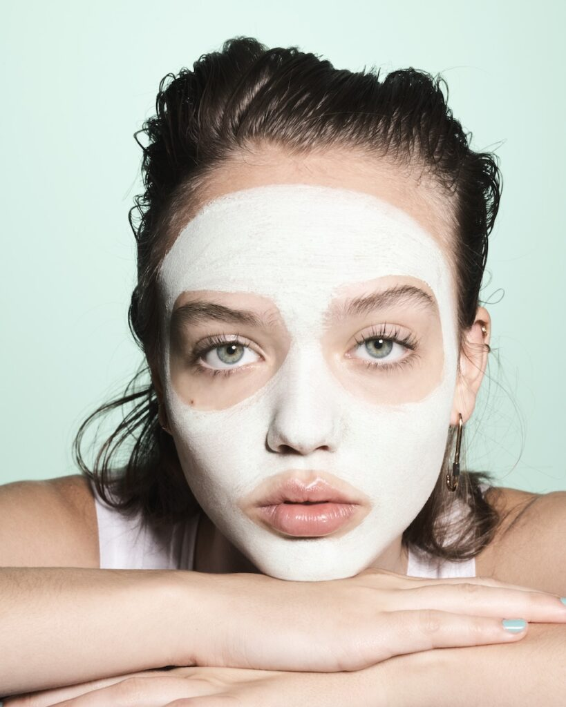 Model Hannah in MintMelt Whipped Face Mask (57186)